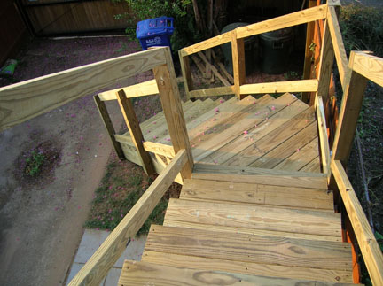 how to build deck stairs with a turn